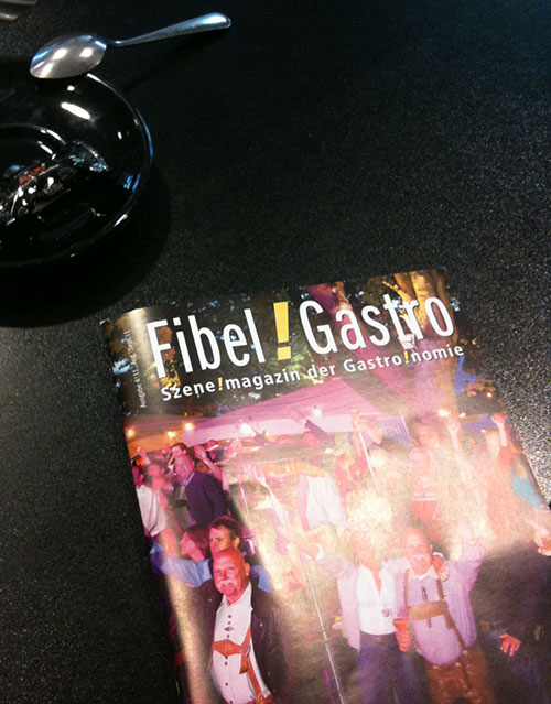 Cover eines billigen Magazins mit billigem Titel